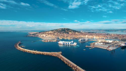 La mer est un atout majeur en Occitanie. La Région soutient notamment la modernisation des infrastructures portuaires et maritimes, comme ici à Sète